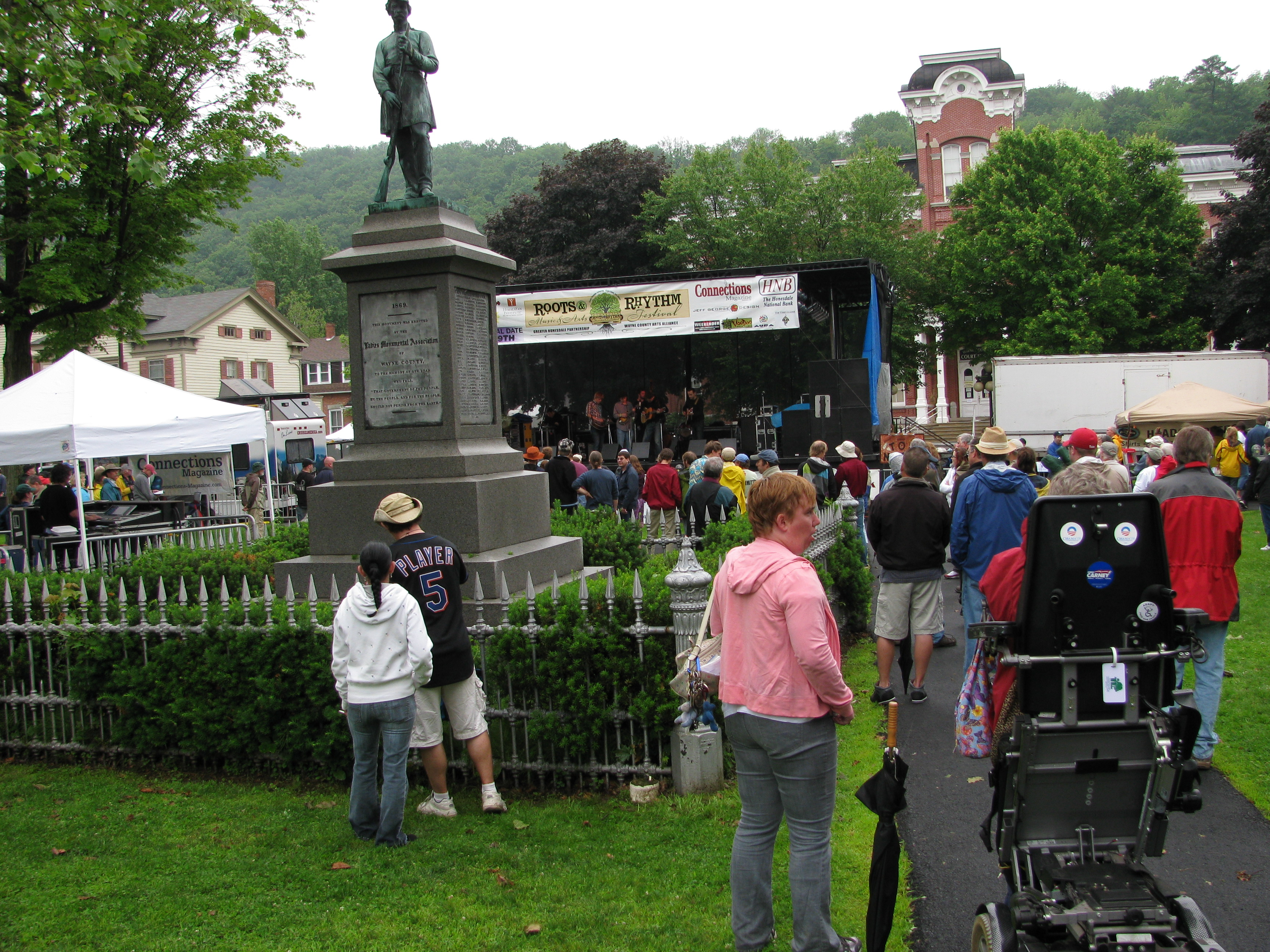 Roots and Rhythm Music and Arts Festival in Honesdale, Wayne County Pennsylvania in the Pocono Mountains